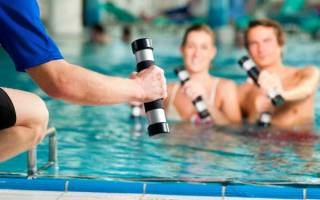 Упражнения в воде для пресса