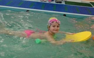 Упражнения для детей в бассейне