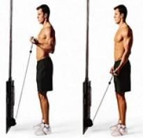 Упражнение в кроссовере на бицепс